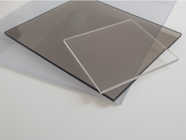 Solid polycarbonate sheets-clear
